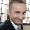 """Jan Böhmermann ist ein deutscher Satiriker sowie Hörfunk- und Fernsehmoderator. Er ist auch als Filmproduzent, Buchautor und Journalist tätig.<a href=""""http://de.wikipedia.org/wiki/Jan_B%C3%B6hmermann"""" data-ved=""""0ahUKEwj1gaP_kLfNAhVKChoKHRSXA2IQmhMIhAEwDg"""">Wikipedia</a>    <a href=""""https://www.google.at/search?biw=1920&bih=917&q=jan+b%C3%B6hmermann+geboren&stick=H4sIAAAAAAAAAOPgE-LSz9U3yEsrTMkw0BLLTrbSL0jNL8hJBVJFxfl5Vkn5RXkAbmnXTCYAAAA&sa=X&ved=0ahUKEwj1gaP_kLfNAhVKChoKHRSXA2IQ6BMIiAEoADAQ"""" data-ved=""""0ahUKEwj1gaP_kLfNAhVKChoKHRSXA2IQ6BMIiAEoADAQ"""">Geboren</a>:23. Februar 1981 (Alter 35),<a href=""""https://www.google.at/search?biw=1920&bih=917&q=Gr%C3%B6pelingen&stick=H4sIAAAAAAAAAOPgE-LSz9U3yEsrTMkwUOLWT9c3NDLKLSzKLtQSy0620i9IzS_ISQVSRcX5eVZJ-UV5APXwcdEzAAAA&sa=X&ved=0ahUKEwj1gaP_kLfNAhVKChoKHRSXA2IQmxMIiQEoATAQ"""" data-ved=""""0ahUKEwj1gaP_kLfNAhVKChoKHRSXA2IQmxMIiQEoATAQ"""">Gröpelingen, Bremen, Deutschland</a>     <a href=""""https://www.google.at/search?biw=1920&bih=917&q=jan+b%C3%B6hmermann+ausbildung&stick=H4sIAAAAAAAAAOPgE-LSz9U3yEsrTMkw0JLOTrbSL0jNL8hJBVJFxfl5VqkppcmJJZn5eQDkup13KwAAAA&sa=X&ved=0ahUKEwj1gaP_kLfNAhVKChoKHRSXA2IQ6BMIjAEoADAR"""" data-ved=""""0ahUKEwj1gaP_kLfNAhVKChoKHRSXA2IQ6BMIjAEoADAR"""">Ausbildung</a>:<a href=""""https://www.google.at/search?biw=1920&bih=917&q=Universit%C3%A4t+K%C3%B6ln&stick=H4sIAAAAAAAAAOPgE-LSz9U3yEsrTMkwUOIAsZOKjIq1pLOTrfQLUvMLclKBVFFxfp5VakppcmJJZn4eAE1ZBFE1AAAA&sa=X&ved=0ahUKEwj1gaP_kLfNAhVKChoKHRSXA2IQmxMIjQEoATAR"""" data-ved=""""0ahUKEwj1gaP_kLfNAhVKChoKHRSXA2IQmxMIjQEoATAR"""">Universität zu Köln</a>     <a href=""""https://www.google.at/search?biw=1920&bih=917&q=jan+b%C3%B6hmermann+auszeichnungen&stick=H4sIAAAAAAAAAOPgE-LSz9U3yEsrTMkw0JLNTrbSTyxPLEqBkPHlmXl5qUVWYE4xAA9R6fktAAAA&sa=X&ved=0ahUKEwj1gaP_kLfNAhVKChoKHRSXA2IQ6BMIkAEoADAS"""" data-ved=""""0ahUKEwj1gaP_kLfNAhVKChoKHRSXA2IQ6BMIkAEoADAS"""">Auszeichnungen</a>:<a href=""""https://www.google.at/search?biw=1920&bih=917&q=Beste+Unterhaltung+Late+Night&stick=H4sIAAAAAAAAAOPgE-LSz9U3yEsrTMkwUOLVT9c3NEw2LsswsTD"""