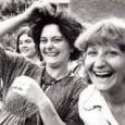 """<a href=""""http://www.youtube.com/watch?v=_L6CtKv34ak""""></a>Weltweit werden eine Milliarde Frauen (sowie solidarische Männer) zu Streiks und Protestkundgebungen aufgerufen – indem sie ihre Häuser, Geschäfte und Arbeitsstellen verlassen und gemeinsam öffentlich tanzen. Die """"Milliarde"""" steht für die statistische Aussage der UN, dass ein Drittel aller Frauen und Mädchen in ihrem Leben Opfer von Gewalt werden. Am 14.2.2013 gingen weltweit abertausende Menschen aus 205 Ländern und mehr als 5000 Organisationen auf die [...]"""