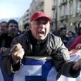 """Demonstranten sind gestern wieder zu Tausenden auf die Straßen von Athen geströmt, um gegen die geplanten Reformen der Syriza-Regierung für die soziale Sicherheit und Rentenkürzungen von 15% zu demonstrieren. Der Protest fand statt, als die Gesetzgeber gerade über die Gesetzesentwürfe im Parlamentsgebäude debattierten. Organisiert wurde der Protest durch die Militante Arbeiterfront """"PAME"""", eine kommunistisch orientierte Organisation innerhalb der griechischen Gewerkschaftsbewegung. Der Protestzug endete auf dem [...]"""
