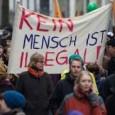 """6. Juni 2016 von <a style=""""font-size: 13px;"""" title=""""Artikel von Anna-Lena von Hodenberg"""" href=""""https://blog.campact.de/author/anna-lena-von-hodenberg/"""" rel=""""author"""">Anna-Lena von Hodenberg</a>  <a href=""""https://blog.campact.de/2016/06/video-gegen-rassismus-diese-5-menschen-haben-einen-plan/"""">27243 mal gelesen</a> · <a href=""""https://blog.campact.de/2016/06/video-gegen-rassismus-diese-5-menschen-haben-einen-plan/#comments"""">67 Kommentare</a> · <a>Artikel kommentieren</a>      In Deutschland brennen Häuser. Rassisten attackieren Flüchtlinge, Helfer/innen und Politiker/innen. Rechtspopulisten schüren Vorurteile gegen Minderheiten.Ist das die Gesellschaft, die wir wollen? Nein – sagen diese 5Menschen in unserem Video. Und sie finden, es ist an der Zeit, etwas zu tun.Gemeinsam [...]"""