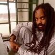 """<a href=""""https://www.youtube.com/watch?v=ffovZq_CJ0Q&feature=youtu.be """"></a> Veröffentlicht am 23.10.2013  Mumia Abu-Jamal ist ein seit 1981 in den USA inhaftierter Journalist, der aufgrund seiner kritischen Berichterstattung ins Fadenkreuz der Behörden geriet. In einem manipulierten Verfahren für einen untergeschobenen Polizistenmord verurteilt, für den es keine Beweise gibt, arbeitet Mumia weiter als Journalist aus den Todestrakten und der Gefängnisindustrie in den USA. 2011 wurde das Todesurteil gegen den Journalisten und ehemaligen Black Panther [...]"""