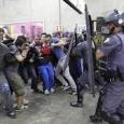 Diese wehrten sich gegen die bevorstehende Insolvenz. Die Polizei knüppelte die demonstrierenden mit Gewalt vom Eingang des Betriebes weg, um dem Insolvenzverwalter den Zugang zu ermöglichen. In Krusevac, einer mittleren Stadt in zentral Serbien, streiken seit längerem die Arbeiter der Firma IMK 14.Oktober. Die bisher größte Masse an streikenden versammelte sich am 01. Juli in der Innenstadt.
