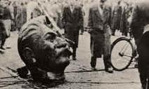 [Video]    Der Videoclip wird kommerziell nicht vermarktet und ist entnommen aus: © Film: aus youtube / Mark Kidel, zgst. von Labournet-Austria © Text: Labournet-Austria © Musik: aus youtube, The Clash / Dimitry Shostakovich  Ungarn 1956 Stalinismus und Sozialdemokratie haben die großartige Idee des Sozialismus und Kommunismus in den letzten 100 Jahren unter Milliarden von Menschen diskreditiert. Sozialdemokratische Kapitulation um Kapitulation vor dem Kapital bzw. stalinistische brutale Diktaturen brennen sich in das [...]