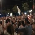 WIEN: PHANTASTISCHE DEMO VON ZEHNTAUSENDEN FÜR ASYLRECHT UND GEGEN FREMDENFEINDLICKEIT   . Gestern, Montag den 31. August, fand in Wien eine Riesen-Demo zur Unterstützung der Flüchtlinge und gegen Fremdenhaß statt: Einige zehntausend Menschen -wahrscheinlich waren es 40 000 oder mehr!- gingen vom Westbahhof über die Mariahilferstraße bis zum Parlament. Es war eine echte Freude, Massen von – vor allem, aber nicht nur- jungen Menschen zu sehen, die sich [...]